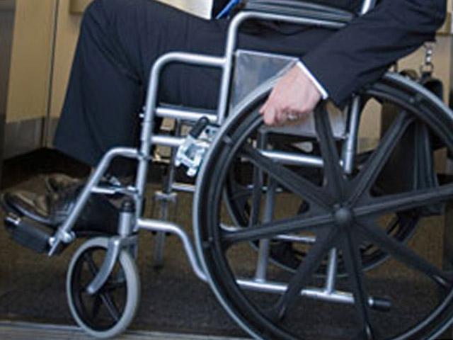 В Барнауле инвалиду-колясочнику отказали в приеме в учреждение социального типа