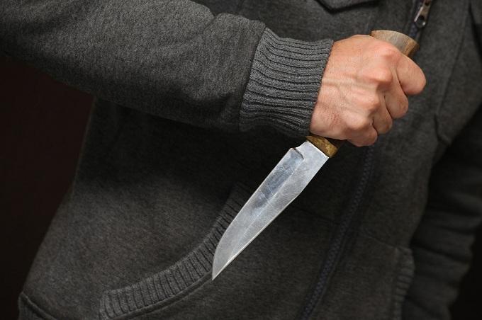 Пьяный курянин напал на отца с ножом