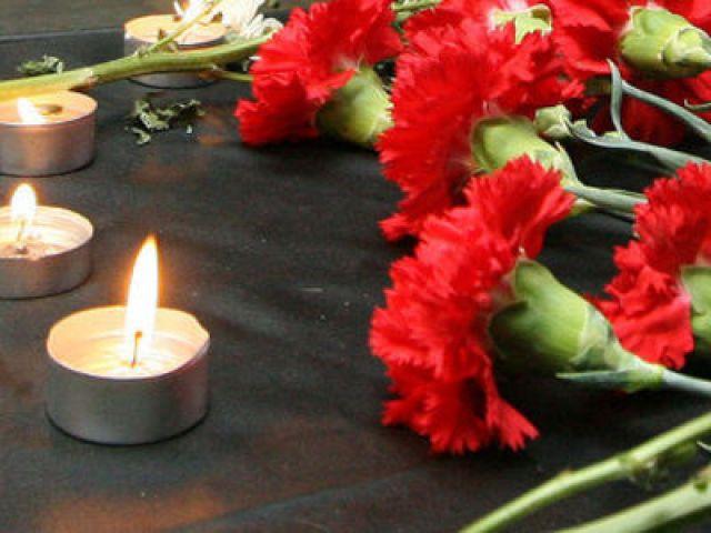 Цветы и свечи траур картинки 1